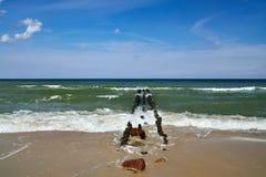 Mer baltique et brise-lames Photo stock