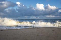 Mer baltique et vagues photo stock