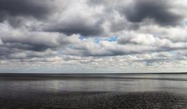 Mer baltique foncée Photographie stock