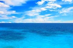 mer bleue Photos stock
