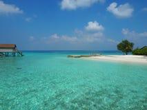 Mer bleue chez les Maldives Images libres de droits