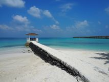 Mer bleue chez les Maldives Photographie stock