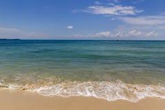 Mer bleue à l'océan méditerranéen Image stock