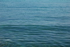 Mer bleue profonde Images stock