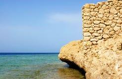 Mer, ciel et roche Photographie stock libre de droits