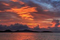 Mer, ciel, nuages, coucher du soleil Image libre de droits
