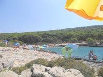 Mer cristalline en Puglia à l'ostuni Photographie stock