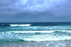 Mer d'Andamandskogo après coucher du soleil images libres de droits