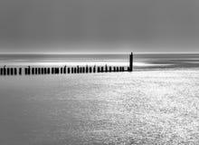 Mer dans le black&white Photo stock