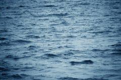 Mer de bleu de fond Photos stock