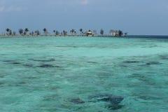 Mer de bleu de Transparant Photo libre de droits