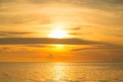 Mer de coucher du soleil Image stock