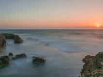 Mer de coucher du soleil et de velours Images libres de droits