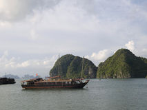 Mer de la Chine en compartiment long d'ha, Vietnam Images stock