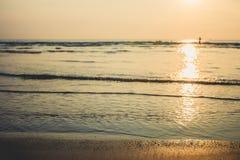 Mer de vague à la plage Photos libres de droits
