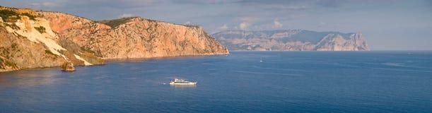 Mer et bateau Photo libre de droits