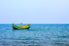 Mer et bateau Image stock