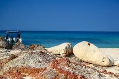 Mer et ciel bleu Images stock