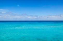 Mer et ciel bleus Image libre de droits