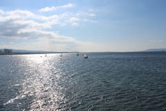 Mer et cieux calmes photos libres de droits