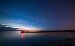 Mer et le coucher du soleil Photos stock