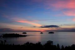 Mer et lever de soleil Photographie stock libre de droits