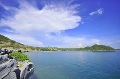 Mer et montagnes Photographie stock libre de droits