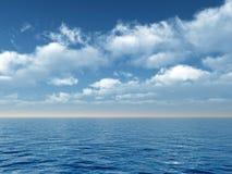 Mer et nuages Image stock