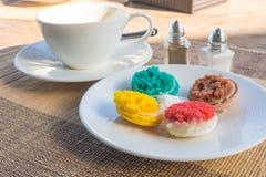 Mer färgrik macarons Royaltyfri Foto