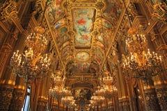 mer garnier opera royaltyfri bild