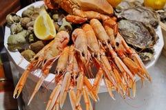 Mer Hochebenende fruits de Meeresfrüchteservierplatte in Frankreich stockbild