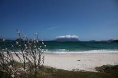 Mer Italie de mediterranea de smeralda de côte de Sardegna Photos stock