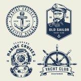 Mer monochrome de cru et labels marins illustration stock