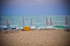 Mer orageuse Sunny Beach de la Bulgarie de plage Photo stock