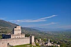 Mer rock-Assisibasilica av St.Chiara arkivbild