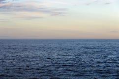 Mer sur l'horizon Photo libre de droits