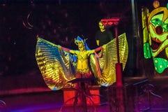 Mer tamer i cirkusen och hans charmiga assistent i dragning Royaltyfria Foton