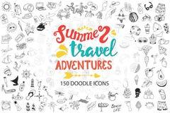 Mer tirée par la main, voyage, boissons, fruits, collection d'icônes de griffonnage d'été sur le blanc Photos stock