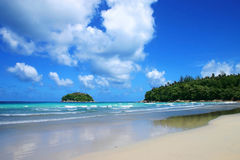 Mer tropicale, plage de kata Image libre de droits