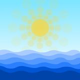 Mer, vagues et fond de Sun Photo libre de droits