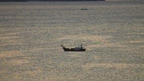 Mer vietnamienne HD de sud de la Chine de bateau de pêche banque de vidéos