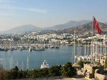Mer, yachts et montagnes photos libres de droits