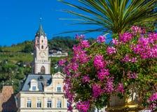 Merano in Süd-Tirol, eine schöne Stadt von Trentino Alto Adige, Herbstansicht der Kathedrale von Meran Italien Stockfoto
