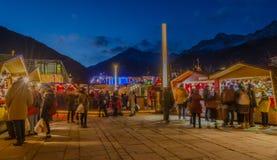 MERANO, Zuid-Tirol, Italië - December 16, 2016: Meran Merano in Zuid-Tirol, Italië, tijdens Kerstmis met christmansmarkt B Royalty-vrije Stock Afbeeldingen