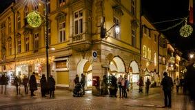MERANO, Zuid-Tirol, Italië - December 16, 2016: Meran Merano in Zuid-Tirol, Italië, tijdens Kerstmis met christmansmarkt B Royalty-vrije Stock Foto's