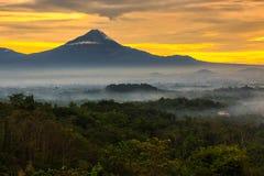 Merapi восхода солнца Стоковое фото RF