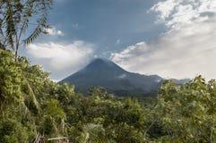 Merapi wulkanu wybuchać Obrazy Royalty Free