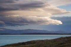Meraviglioso si rannuvola il lago Pukaki, Nuova Zelanda Fotografie Stock Libere da Diritti