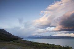 Meraviglioso si rannuvola il lago Pukaki, Nuova Zelanda Fotografia Stock Libera da Diritti