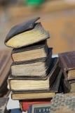 Mercado antiguo. Libros viejos. Foto de archivo